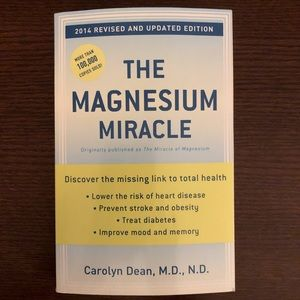 2/$20💥SALE💥 Book: The Magnesium Miracle